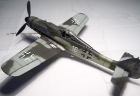 Fertiges Modell der FW-190 D9 von AZ-Modell in 1/72