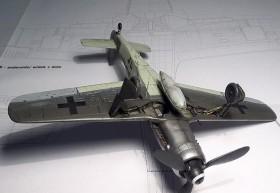 Neutrales Foto der AZ-Model FW-190 D9 Unterseite mit dem Fahrwerkschacht aus Resin